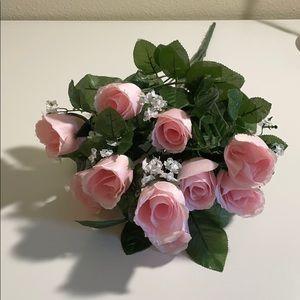Light pink fake rose flowers